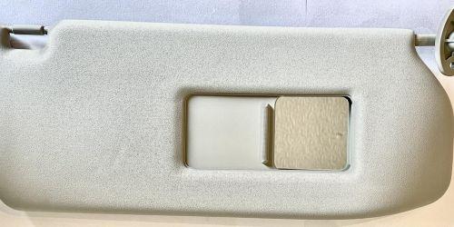 2000-2007 Suzuki Ignis - Napellenző jobb oldali, tükrös Eredeti Suzuki alkatrész: 84801-86G21-6GS 17900Ft